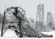 Strommasten geknickt